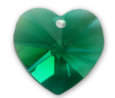 6202 18mm Emerald Heart Pack Qty 2